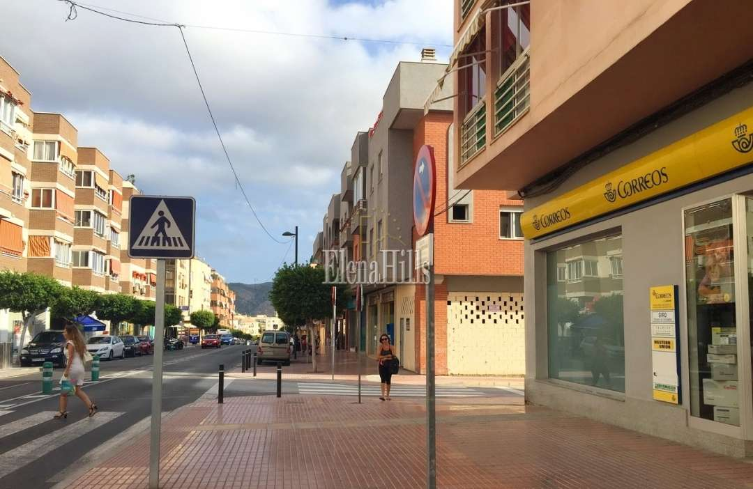 For sale commercial property in Alfas del Pi city center